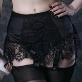 Kiss Me Deadly Van Mimi 6 Strap Suspender Belt
