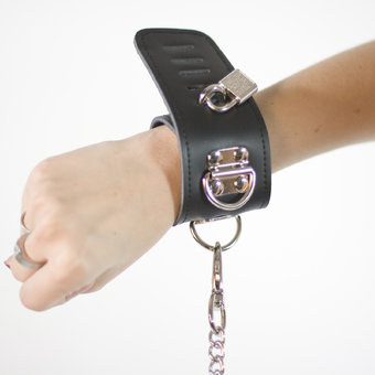 Bondage Boutique Luxury Leather D-Ring Wrist Cuff Restraints