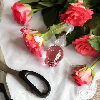 Icicles No 12 Hand-Blown Rose Glass Dildo