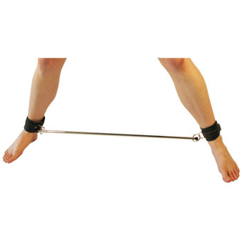 Spreader Bar and Leather Cuffs 30 Inch