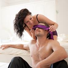Comment aborder le sujet du bondage au sein de votre relation?