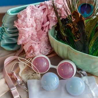 Lelo Luna Beads giveaway