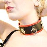 Collier avec anneaux en cuir et PVC Xtreme par Bondage Boutique