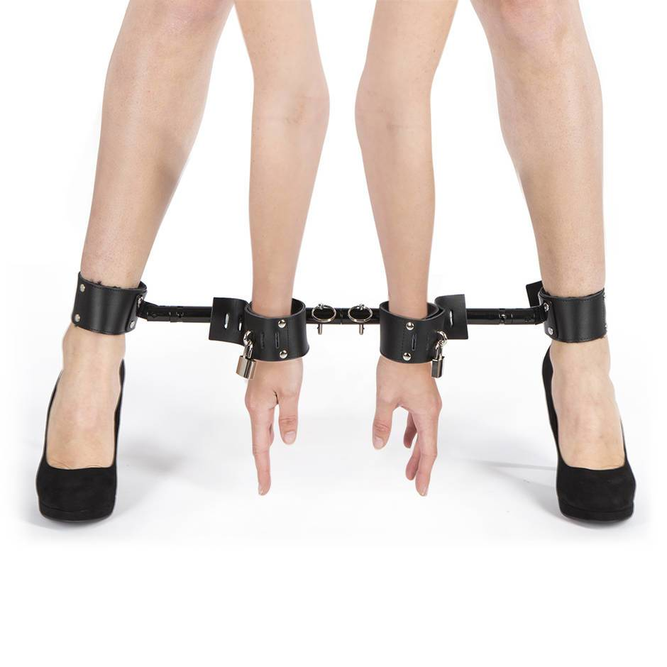 Spreader bar bondage