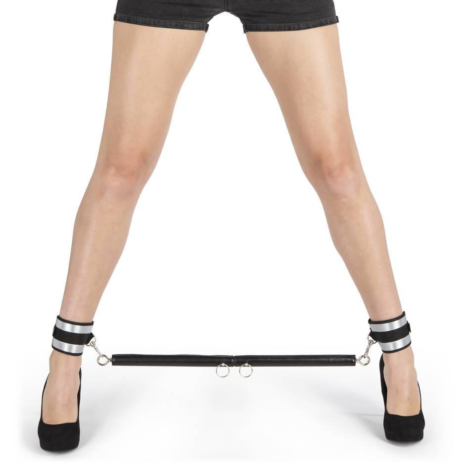 Fifty Shades of Grey Trust Me Adjustable Spreader Bar and Cuff Set