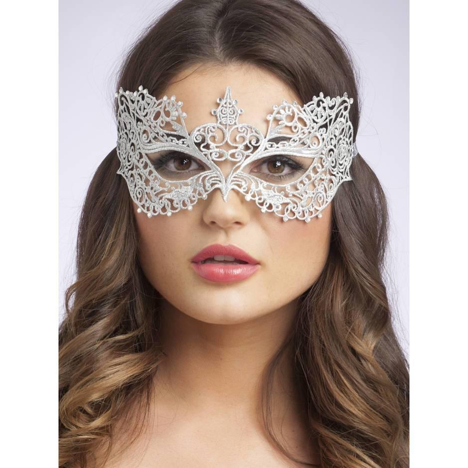 Die Gewebemaske für die Person mit der Schnecke