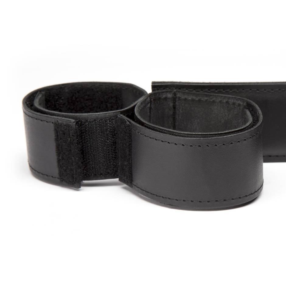 Barre d 39 cartement en cuir de luxe pour poignets et - Barre d ecartement ...