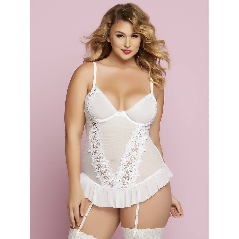 Seven 'til Midnight Plus Size Underwired Floral Lace Basque Set
