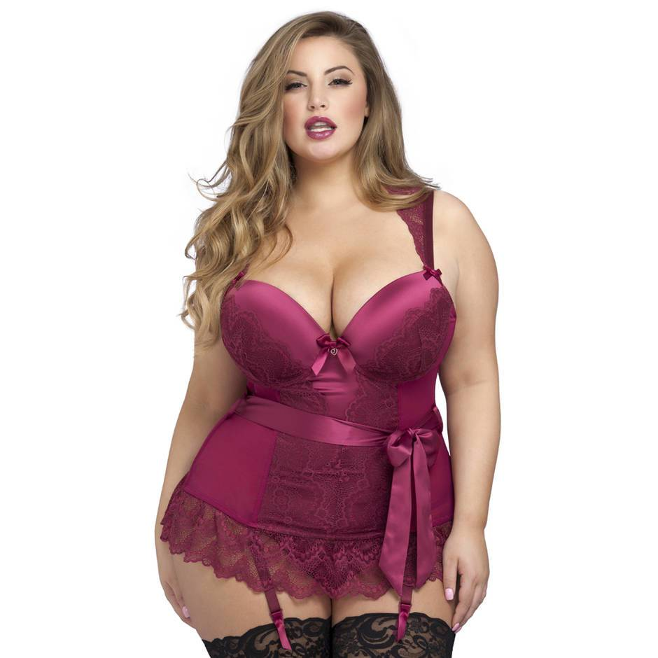 Ensemble guêpière string grande taille Moonlight lie-de-vin, Lovehoney