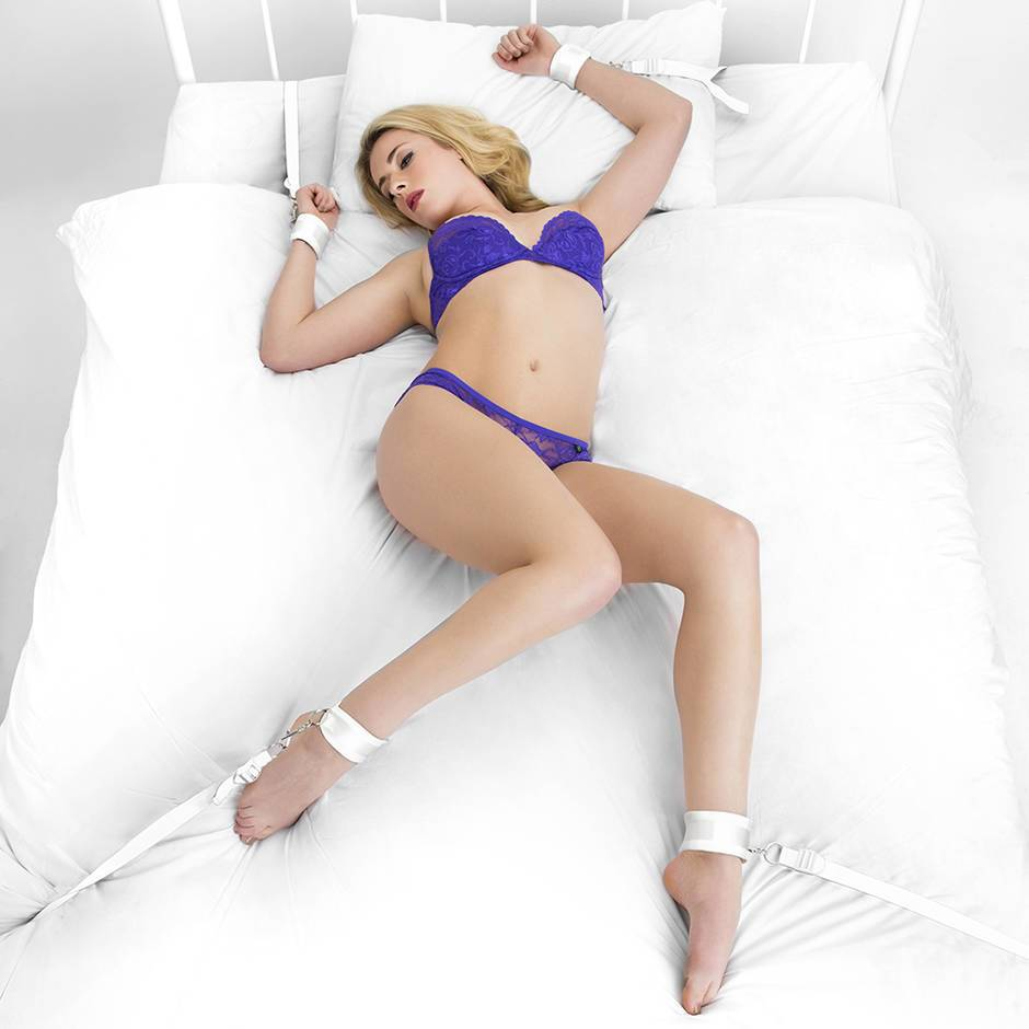 Bondage Boutique White Bound to Please Under Mattress Restraint