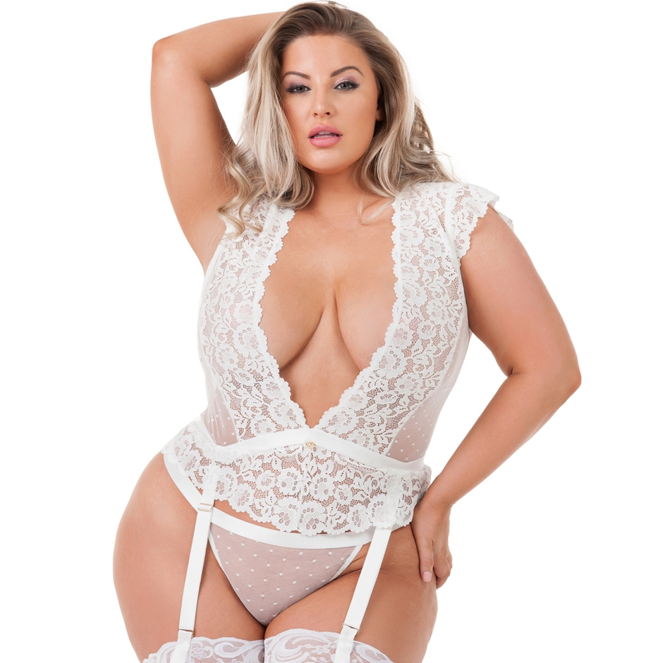 Lovehoney Plus Size Celeste White Lace Bustier Set