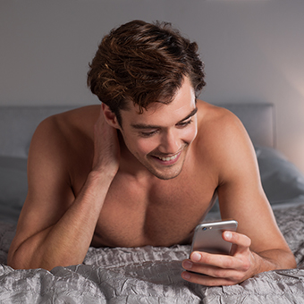 31 Sexting Phrases That'll Heat Up Any Conversation